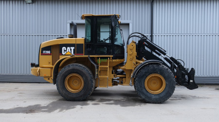 Cat IT28G -05